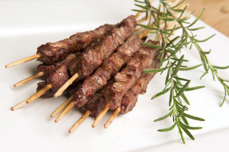 offerta Arrosticini alla brace - occasione cucina tipica abruzzese  trattoria da betty