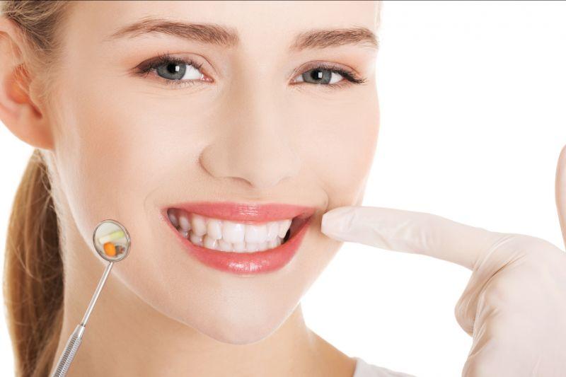 Offerta dentista apparecchio fisso mobile - Promozione ortodonzia Invisalign Reggio Emilia