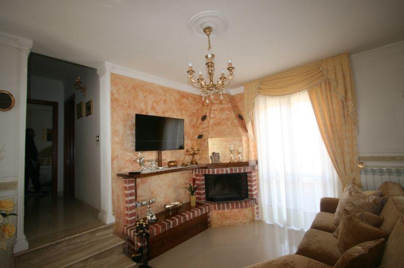 Torrita vendesi appartamento con ingresso indipendente posto al piano primo di mq 91