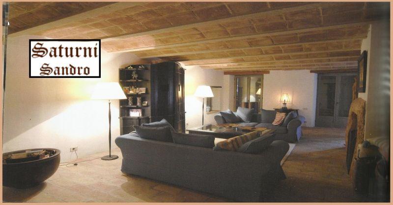 SATURNI FALEGNAMERIA Angebote benutzerdefinierte Einrichtungsgegenstände aus Holz