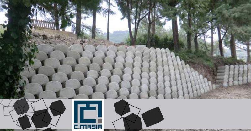 Offerta autobloccanti per muri di contenimento blocchi split - Occasione Elementi muro split flower Oristano