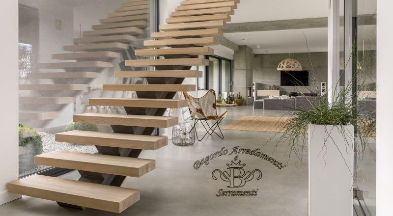 Bagordo Arredamenti Serramenti offerta scale in legno ulivo . occasione gradini legno Brindisi