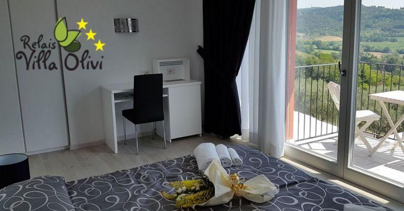 RELAIS VILLA OLIVI - Finden Sie die beste Unterkunft mit luxuriösen Zimmern am Gardasee